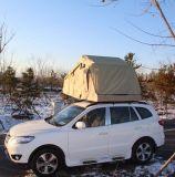 3-4別館が付いている人のトレーラーのテント車の屋根の上のテント