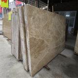 中国Emperadorの軽い大理石のタイルの価格