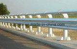 Fait dans la chaîne de production de rambarde de route de glissière de sécurité de route de la Chine