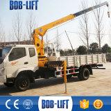 La flèche télescopique 5 tonnes mini grue montés sur camion avec des stabilisateurs