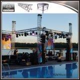 Evento al aire libre concierto pequeño escenario de la armadura de iluminación