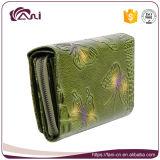 Зеленая бабочка напечатала выбитую кожу портмона женщин неподдельную