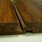 Plancher en bambou tissé à la main gratté