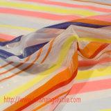 Il jacquard del tessuto del poliestere del filato tinto tessuto chimico barra il tessuto per il vestito pieno dall'indumento, tenda