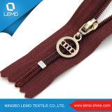 5 # Creme Zipper