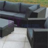 Meubles réglés de jardin de sofa extérieur de sofa de rotin de PE