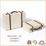 Contenitore di regalo antico di legno della casella di immagazzinamento in la valigia con il reticolo del carattere