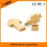 Movimentação de madeira do flash do USB da forma transversal com seu logotipo