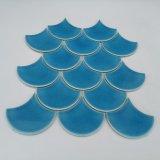 Het lichtblauwe Mozaïek van het Porselein van de Barst van het Ijs van de Schaal van de Sector of van Vissen voor de Tegel van de Muur