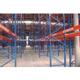 Rack de stockage des palettes de gros entrepôt industriel