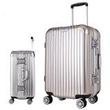 ABS、パソコン、PP、PSのPE、PMMAの対ねじプラスチックシートの版の押出機のスーツケース機械