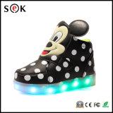 2016 оптовых смешных светящих ботинок СИД для малышей