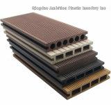 Suelo de madera maciza WPC para uso en exteriores