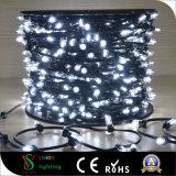 Luzes ao ar livre ao ar livre do Natal para decorações de árvore