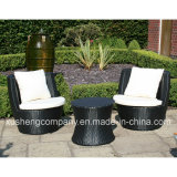 Cadeira do Rattan da mobília do jardim e tabela de chá ao ar livre