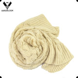 Шарф зимы Knit вязания крючком Cream цвета женщин мягкий