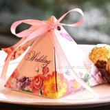 호화스러운 꽃 패턴 디자인 삼각형 리본을%s 가진 서류상 포장 선물 상자
