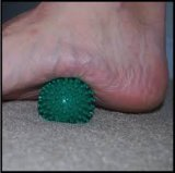 El músculo del pie relaja la bola de la yoga de la gimnasia del equipo de la aptitud
