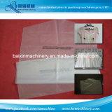 Plastikkleidung schützt den Beutel, der Maschine herstellt