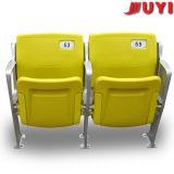Ratan al aire libre con las sillas de plegamiento plásticas usadas asientos del blanqueador del tubo del PVC de los apoyabrazos