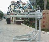 Doppeltes Plattform-Fahrrad steht Parken-Standplätze