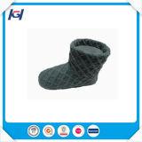 Новым связанные прибытием теплые крытые ботинки тапочки для женщин