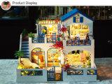 多彩なMDFの木の子供のプレイハウスキットの人形の家