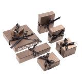 Verpakkende Vakjes van de Juwelen van het Document van het Karton van de douane de Met de hand gemaakte Witte