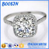 На заводе Custom Crystal кольцо для пар