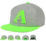 Серые крышки Snapback хмеля Acrylique Hip с неоновый зеленой кнопкой Bill вышивки 3D