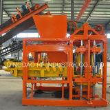 Bloc concret automatique de machine de presse à briques de la colle de Qt4-25 Hydarulic faisant la machine