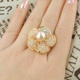 Monili di modo con l'anello di colore dell'oro della perla 18K per le donne