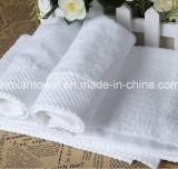 卸売価格の100%年の綿の静かに白いカスタマイズされたロゴのホテルの浴室の/Handタオル