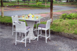 Jardin d'Osier en rotin de loisirs de plein air Bar Table et chaise