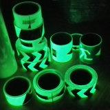 4 a 6 horas que brillan intensamente en la cinta fotoluminiscente adhesiva oscura