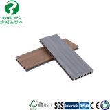 Placa composta plástica de madeira descalça resistente do Decking da mancha nova da chegada