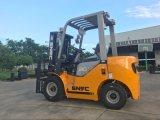 Caminhão de elevador Diesel da potência do tirante 2.0tons da forquilha para a venda