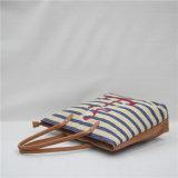 Nueva venta 2017 del tipo bolso portable del bordado por completo del viento de la universidad (GB#90057)