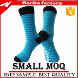 Großhandelsform-glückliche Socken-kundenspezifische bunte Baumwollmann-Kleid-Bambus-Socken