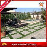 Césped sintetizado al aire libre impermeable de la hierba de alfombra para el jardín