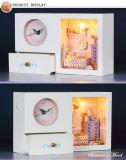 Hermosa miniatura de juguete de madera casa de muñecas con muebles