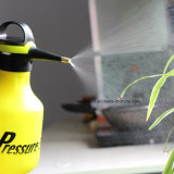Pulvérisateur à pression d'une main pour engrais, herbicides et pesticides, Pompe en plastique 2 litres Pompe à eau de pression Presse à pulvérisateur Bouteille Outil de jardin d'arrosage