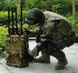 6CH는 반대로 폭탄 RF 신호 방해기를 남자 포장한다