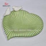 Il condimento di ceramica multiuso servisce i piatti dell'antipasto, il padellame multicolore della ciotola dei piattini della porcellana (figura del cuore)