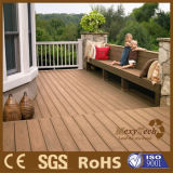 Le composé en bois bon marché WPC de matériau de construction vendent le Decking extérieur