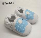 Zapatos antirresbaladizos suaves 17312 del niño de Soled de las zapatillas de deporte de los muchachos del bebé