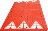 Красный или черный резиновый валик скорости безопасности дороги