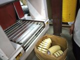 Las cintas automáticas productos cilíndricos de sellado de manguito de reducción de la máquina de embalaje