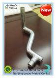 Mecanizado de tubo de acero chapado de zinc y doblando y soldando