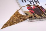 De uitstekende MultiHalsband van de Keten van de Charme van de Driehoek van de Laag, de Eenvoudige Ketting van de Hals